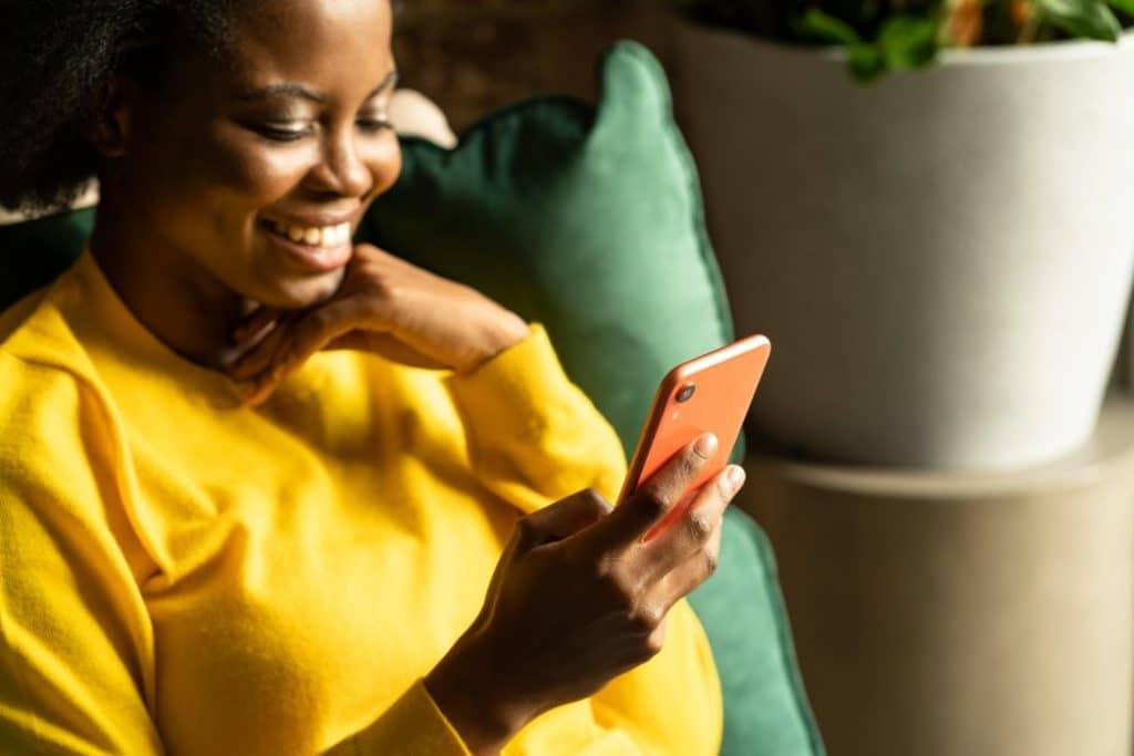 Comment bien rédiger un sms anonyme ?