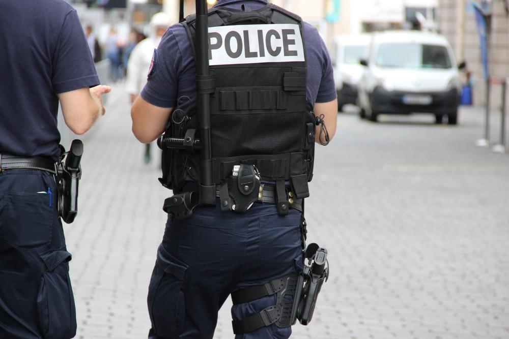 Démasquer un harceleur avec la police