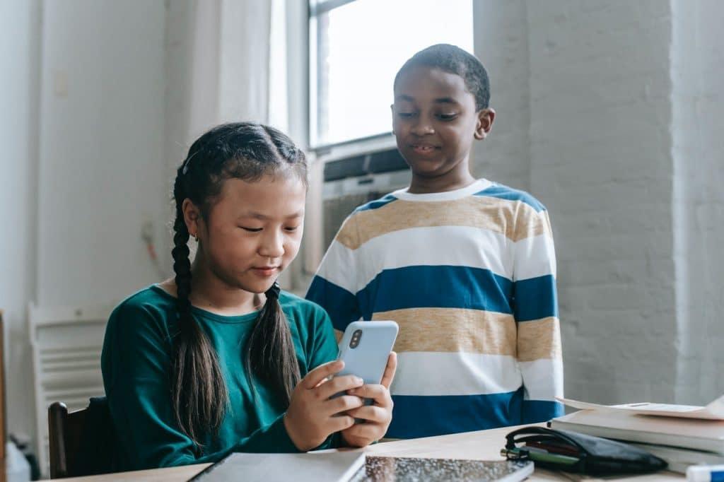 Quels sont les avantages des messageries instantanées pour enfants ?